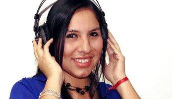 Locutora Peruana Alexandra Z